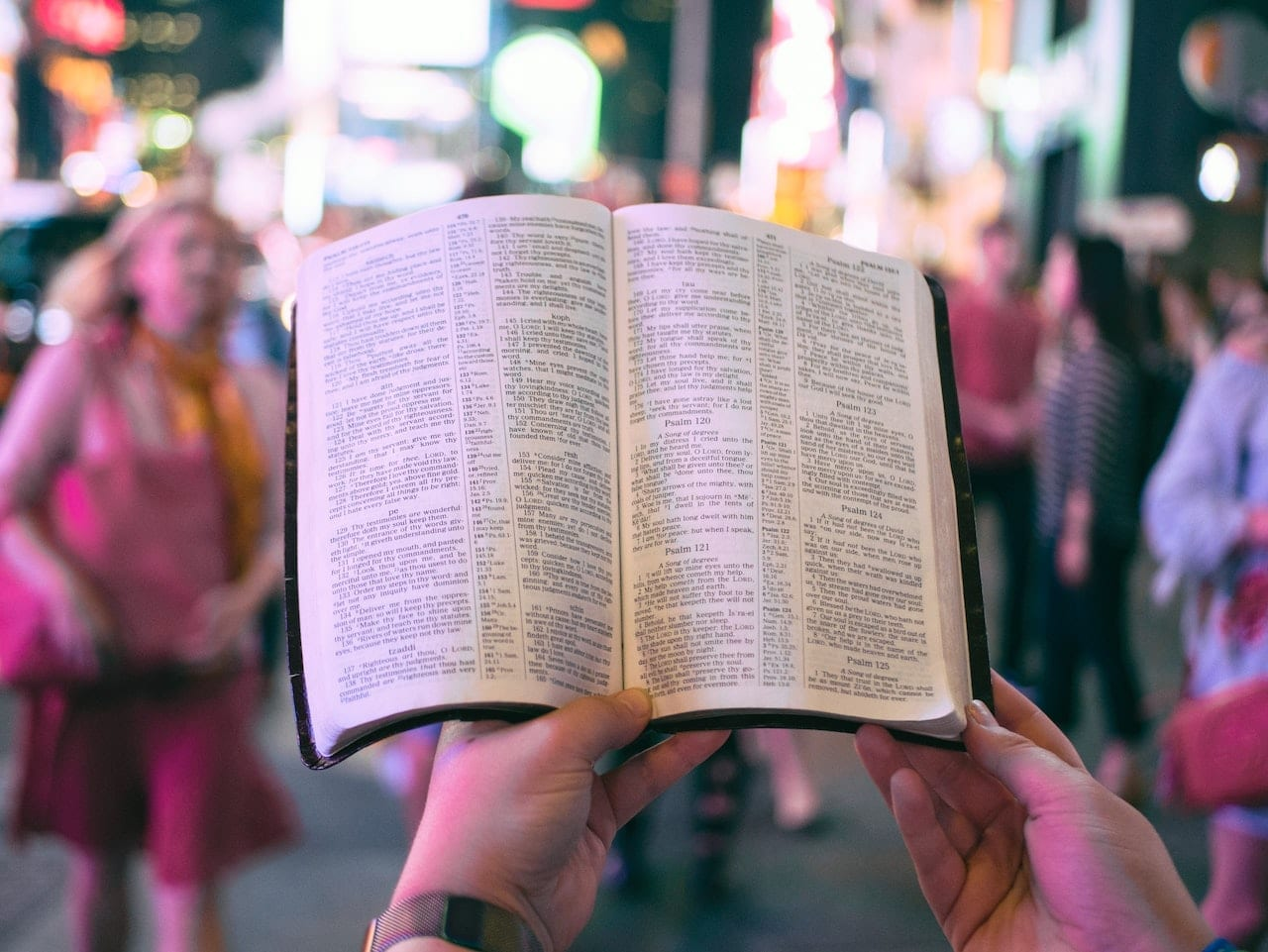 Do Anglicans even *care* about the Bible? 📖
